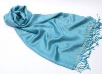Голубой шелковый шарф палантин, 1450 руб.