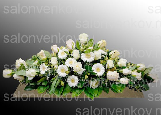Фото траурных композиций из живых цветов