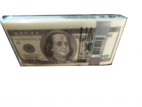 Сувенирные салфетки с номиналом в 100 доларов
