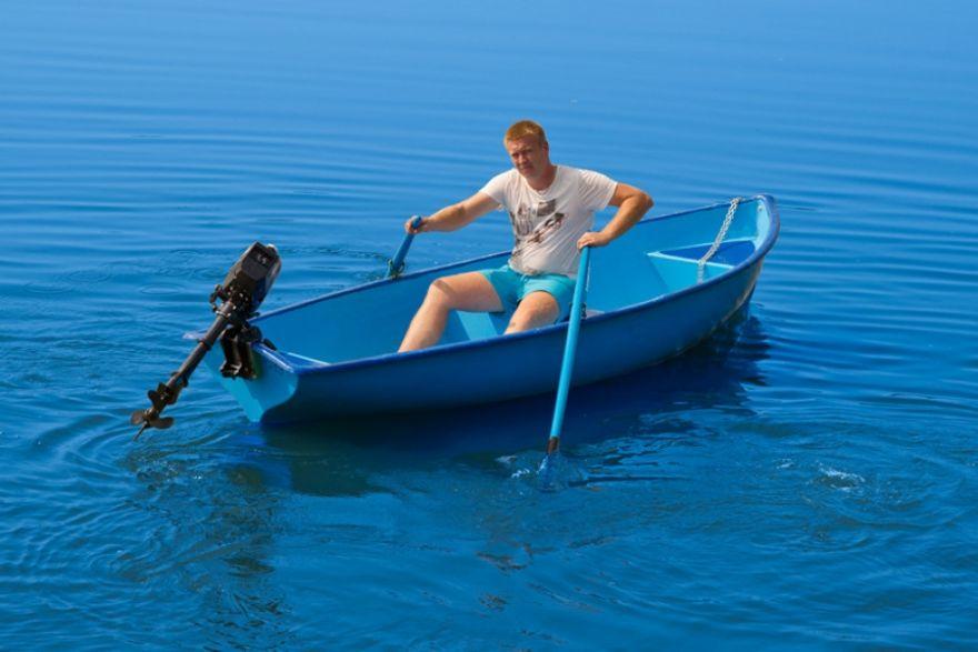 Лодка стеклопластиковая  Омуль