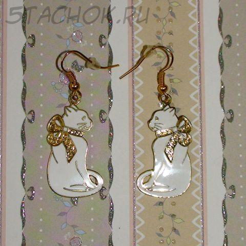 """Серьги """"Белый котенок с бантиком"""" под золото, ювелирная эмаль"""