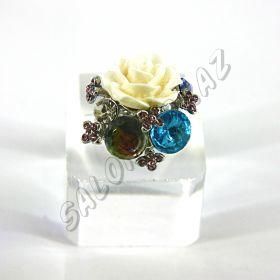Кольцо с розой и кристаллами КО-101
