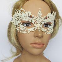 Ажурная белая венецианская маска