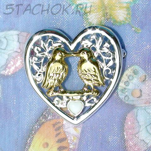 """Брошь """"Птички в сердечке"""" под золото/серебро/эмаль"""