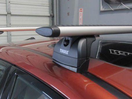 Багажник на крышу Subaru Impreza, Thule, аэродинамические дуги Wingbar