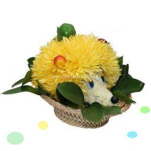 Ежик из свежих цветов