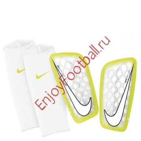 Футбольные щитки NIKE MERCURIAL FLYLITE