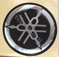 Наклейка логотип Yamaha (шильдик)