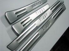 Накладки на пороги с логотипом, полированая нерж. сталь, а/м 09-11г.в.