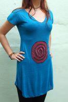 Женская длинная футболка из качественного трикотажа c аппликацией (круг со спиралью)