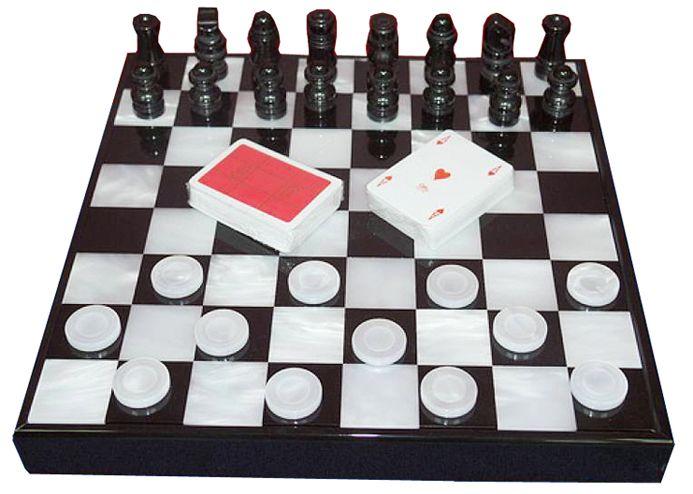Шахматы в черном боксе, доска - акрил, фигуры - акрил, 375 х 375 х 45 мм