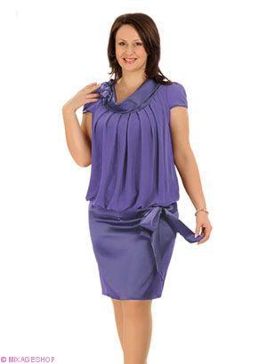 Платье выполено из сочетания шифона и тонкого атласа