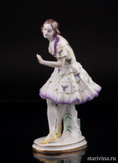 Антикварная Фарфоровая статуэтка Танцующая девушка производства Volkstedt, Германия, до 1935 г.