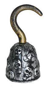 Крюк пирата с черепами