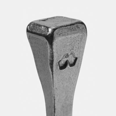 """Ковочные гвозди """"MUSTAD"""" Размеры:  J8 - J10 (для тяжеловозов)"""