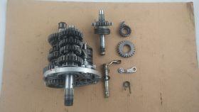 коробка передач касетного типа в сборе: первичный и вторичный валы, копирный вал,вилки коробки передач (3шт). вал кикстартера   Honda  NSR250