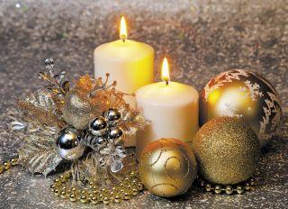 Почтовая открытка Две свечи