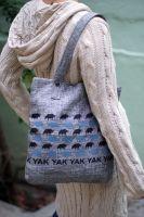 Купить тибетскую сумку с яками из джута