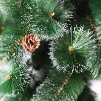Зеленая искуственная елочка с шишками