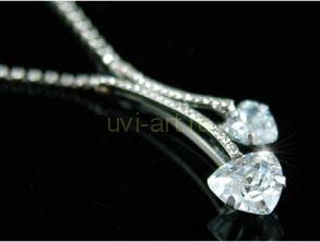 Элегантное позолоченное белым золотом колье с кристаллами Сваровски