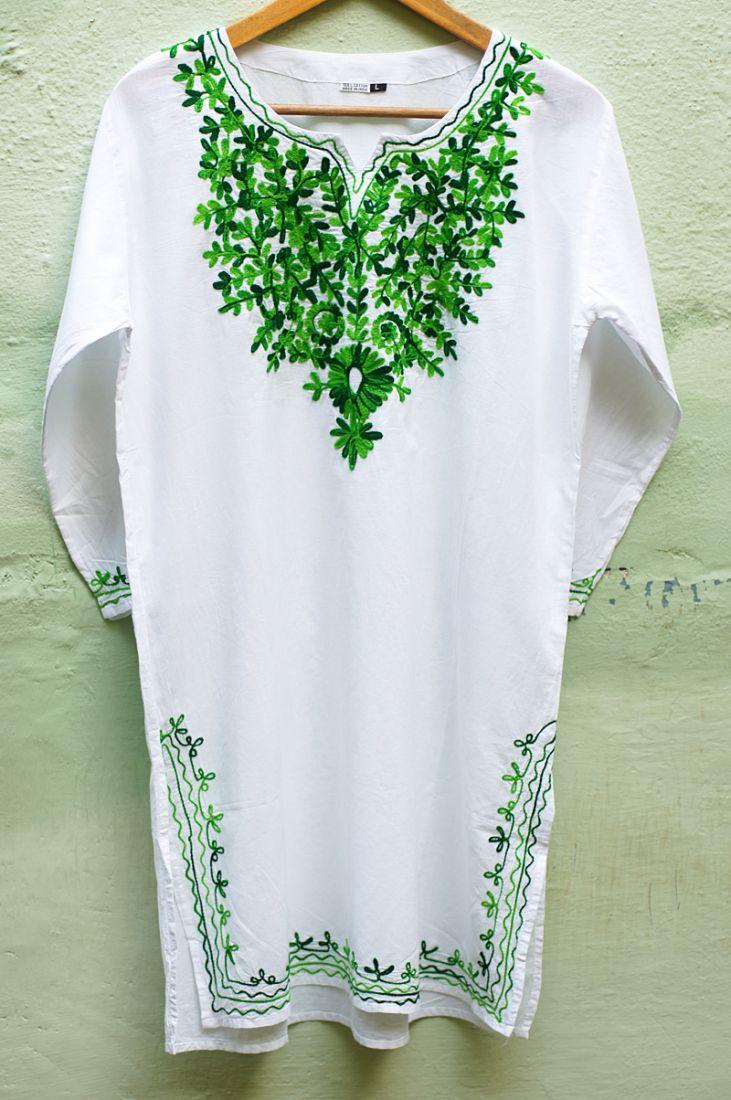 Женская индийская курта с зелёной вышивкой (отправка из Индии)