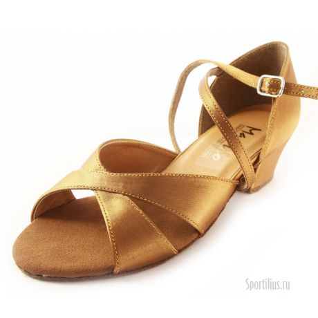 Телесные туфли для бальных танцев