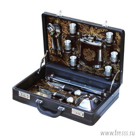 """Набор для пикника подарочный в кейсе из натуральной кожи """"Гранд"""", 6 персон"""