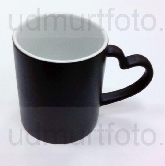 Кружка ХАМЕЛЕОН черная с ручкой в виде СЕРДЦА .Цена за кружку с Вашим изображением