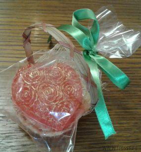 """Мыло ручной работы """"Сердце из роз"""" в корзиночке 1 шт роз."""