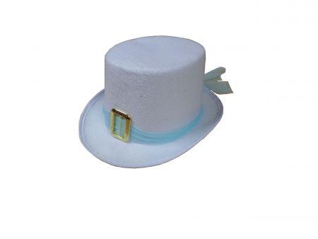 Белый фетровый цилиндр с пряжкой