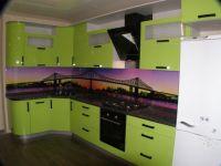 современная небольшая кухня лимонного цвета на 8 кв метров