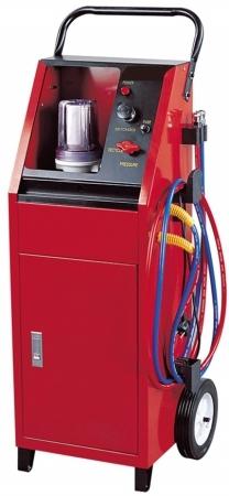 Установка для очистки топливной системы ДВС пневматическая. Для дизельных и бензиновых двигателей. Рабочее давление: 70-90PSI.