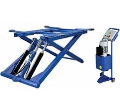Ножничный подъёмник перекатной для кузовных и шиномонтажных работ, длина платформы 1550 мм, высота подъёма 1320 мм. Грузоподъемность: 2600 кг.