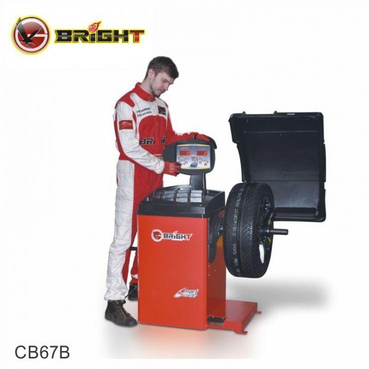 Станок балансировочный, автоматический ввод 2-х параметров, 0,25 кВт, 220 В, диаметр дисков 10-28', кожух, стандартный набор конусов.