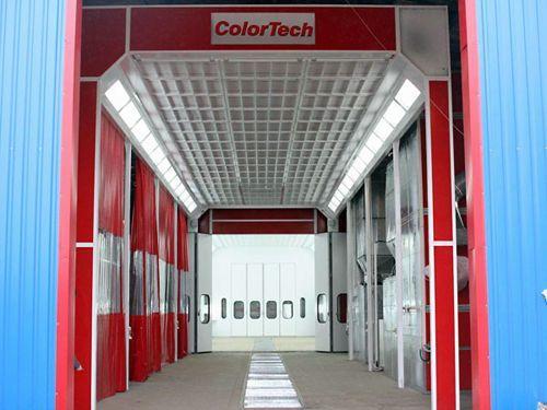 Сушильно-окрасочная камера.  Внутренние размеры (ДШВ): 10 x 4,5 x 3,97 м.  Производительность: 36000 м3/ч.  Горелка: Riello RG5D, мощность 307 кВт.  Одна линия решеток, четырехстворчатая въездная дверь, боковая сервисная дверь, система рециркуляции в режи