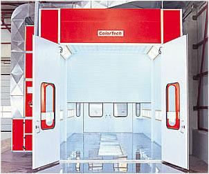 Сушильно-окрасочная камера для коммерческого транспорта  Внутренние размеры (ДШВ): 16 x 5 x 5 м.  Производительность: 2 х 36000=72000 м3/ч.  Горелка: 2 х Riello, мощность 307 кВт.  Одна линия решеток, четырехстворчатая въездная дверь, 2 х боковая сервисна