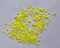 Стразы для дизайна ногтей голограммные (лимонные) 100 штук
