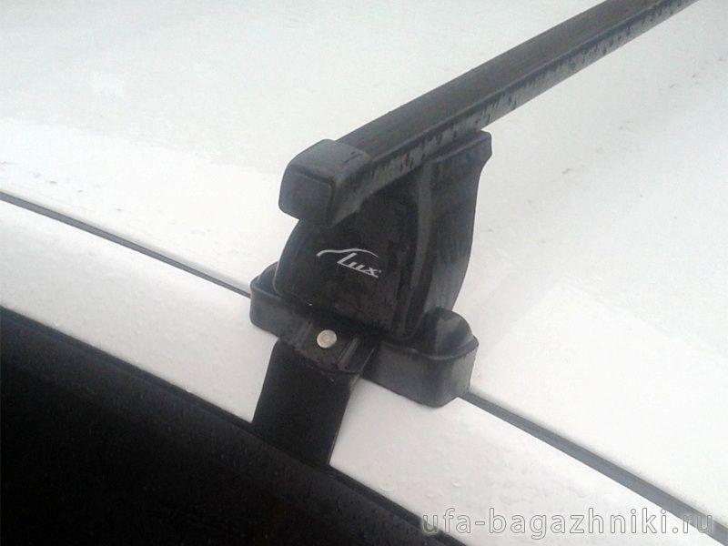Багажник на крышу Kia Rio 3 (c 2011г, sedan / hatchback), Lux, прямоугольные стальные дуги