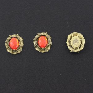"""Кабошон со стразой """"Листики"""", овал, цвет основы - медь, стразы - красный, 31х25 мм (1уп = 10шт)"""