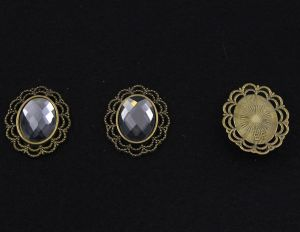 `Кабошон со стразой, овал, цвет основы - медь, стразы - серебро, 29х24 мм