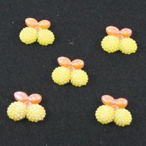 "Кабошон ""Вишня блестки"", пластик, 22*19 мм, цвет - желтый (1уп=50шт)"
