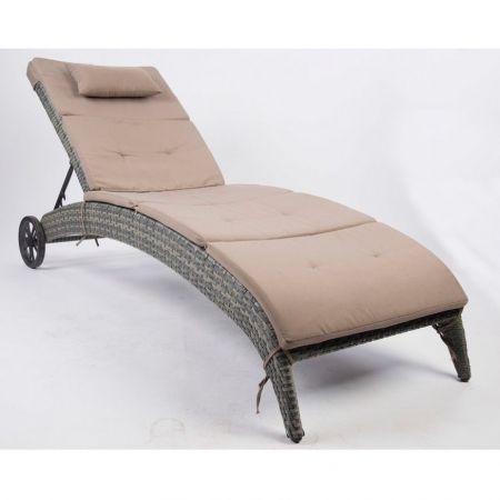 Столики и матрасы