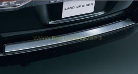 Накладка на задний бампер  для Toyota Land Cruiser 200