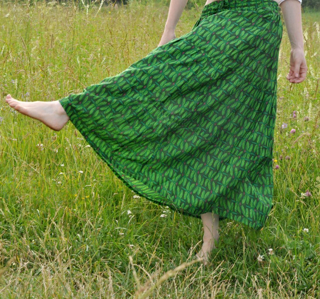 Длинная зелёная юбка со стрекозами (отправка из Индии)
