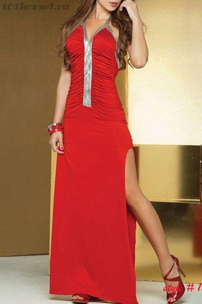 Длинное красное платье с серебристой вставкой