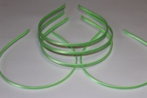 `Ободок металл обтянутый тканью 5 мм, цвет: светло-зеленый