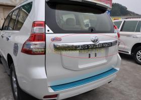Хромированная накладка на крышку багажника  для Toyota Land Cruiser Prado 150 2013 -