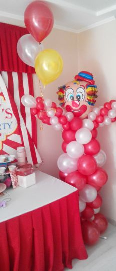 Клоун с 3 шарами