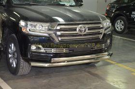 Решетка в передний бампер (Тип 2) для Toyota Land Cruiser 200 2015-