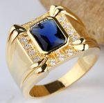Позолоченный мужской перстень с искусственными сапфиром и бриллиантами (арт. 260103)